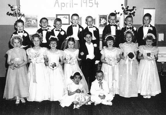 Mrs. Bray's First Grade Class - Tom Thumb Wedding - April 1954
